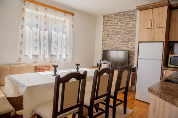 Villa_Samodiva_Kitchen_Dining_Place_1