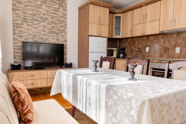 Villa_Samodiva_Kitchen_Dining_Place_2