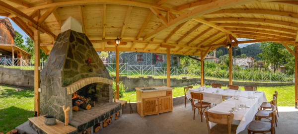 Villa_Samodiva_Wood_Barbeque_Inside