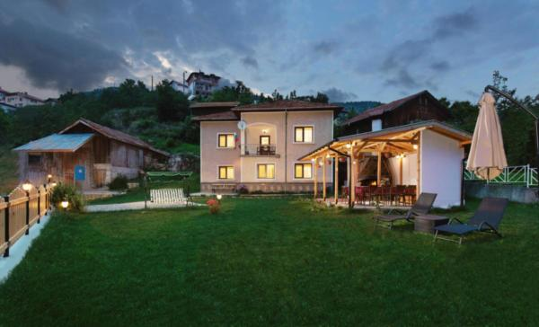 Villa Samodiva Exterior Night