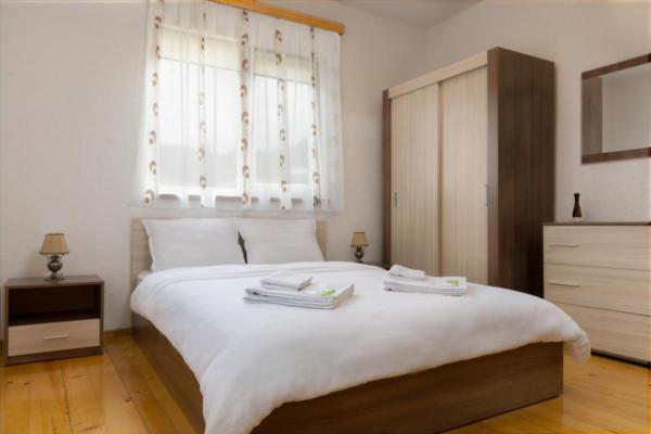 Villa Samodiva Interior Small Bedroom 2